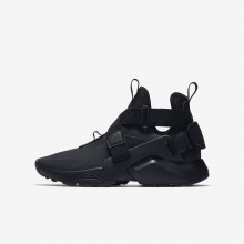 Boys Black/White Nike Huarache Lifestyle Shoes AJ6662-003